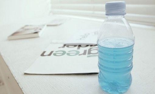 """我是一个玻璃瓶子,装满了叫做""""感情""""的液体"""
